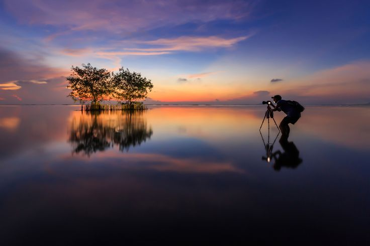 Photographer in lake by chaisit rattanachusri on 500px