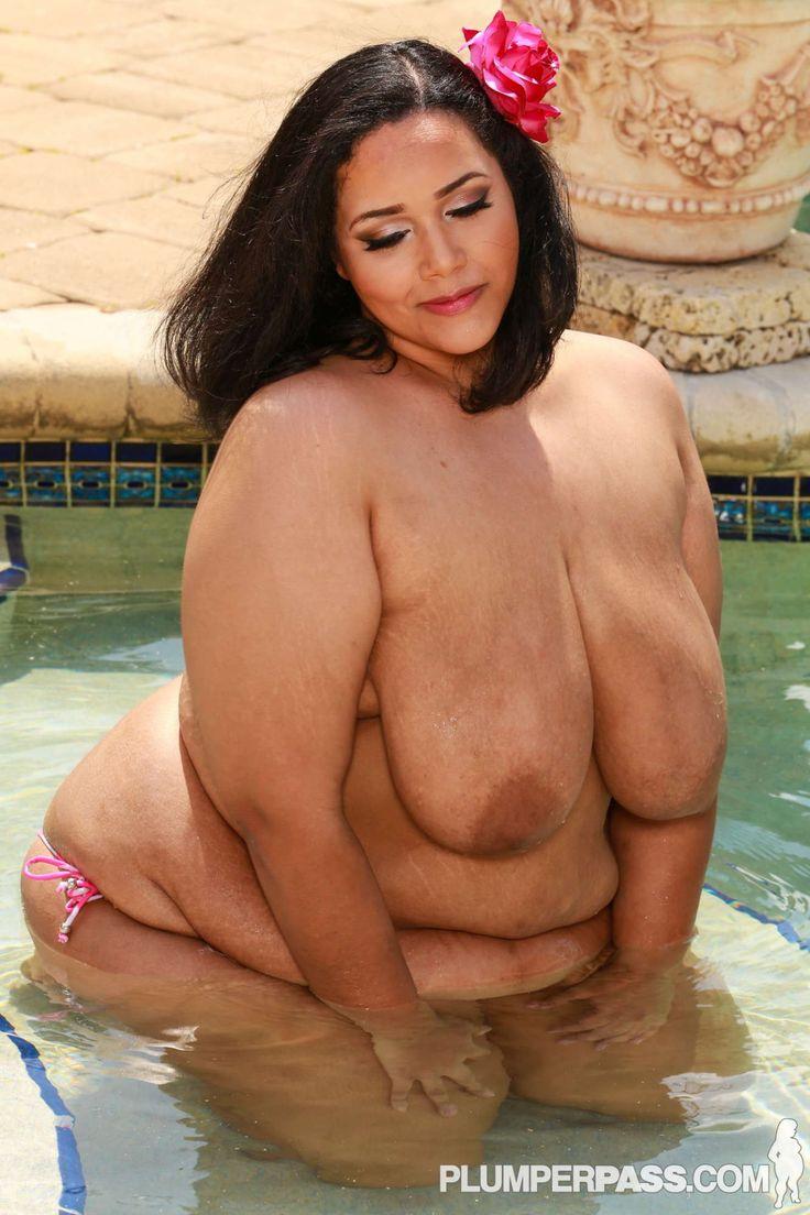 chubby nude art model - Model: Vylette Vonne
