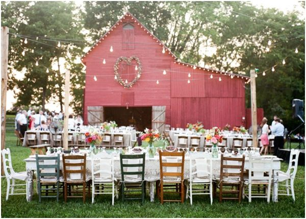 I'm almost certain that I've pinned this before. But I can't stress just how awesome this hodge podge of mismatched chairs and centre pieces would look in your wedding photos! Not to mention create the most glorious atmosphere after sunset for your friends and family to just relax and have fun!