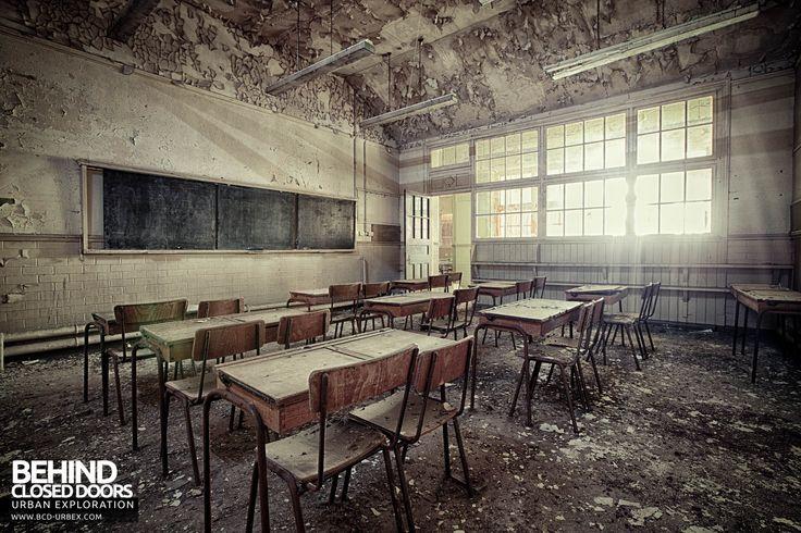 Easington+Colliery+Primary+School+-+Light+fills+the+classroom