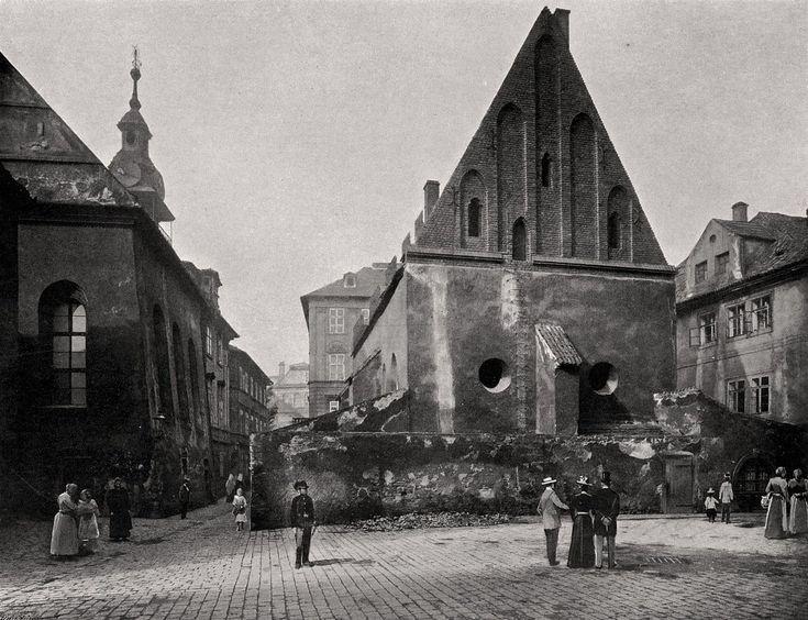 "Praha Neznámá on Twitter: ""Pražské ghetto 1902. Staronová synagoga. Fotografie Jindřicha Eckerta.  https://t.co/JU23jDyJi1  https://t.co/nVzYM6UZuf https://t.co/IMgDROiGsR"""