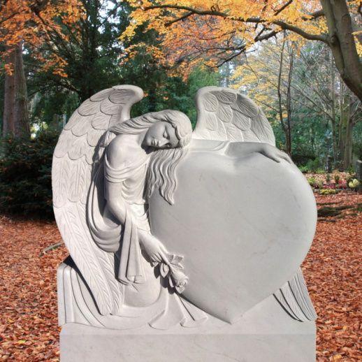 Besonders schöner Grabstein mit Herz & Engel; Qualität & Service direkt vom Bildhauer; Jetzt Grabstein online kaufen bei  Serafinum.de