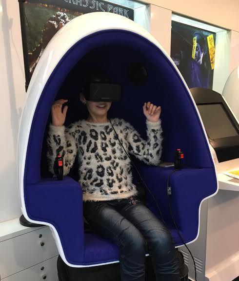 VR Adventure World Egg Chair