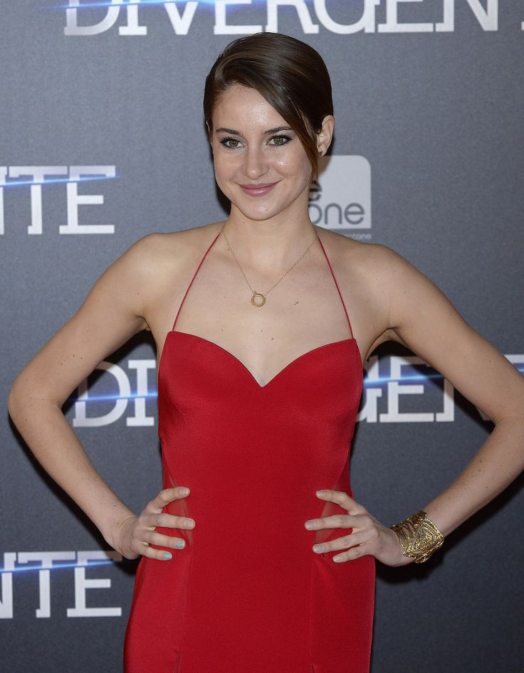 At the Madrid premiere of Divergent, Shailene Woodley wore her strands slicked down with a deep side part.