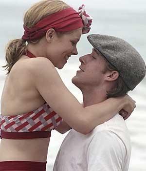 Rachel McAdams and Ryan Gosling. This movie makes my heart melt<3