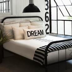 black/white bed