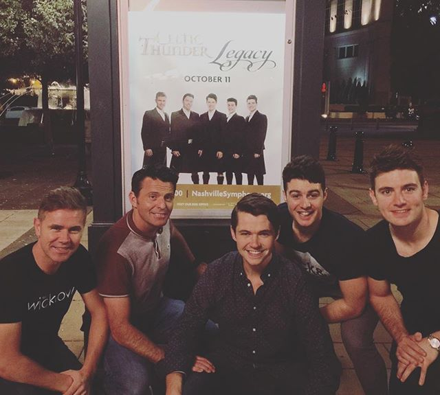Photographic evidence suggests that you can actually get five irish lads to stay still for more than 2 seconds ☘ . . . . . . . #celticthunder #irish #irishsinger #nashville #tennessee #irishmusic #classicalmusic #musicaltheater #folk #celtic #instamusic #irishabroad #tour #usa # #☘ #classical #irishmusician