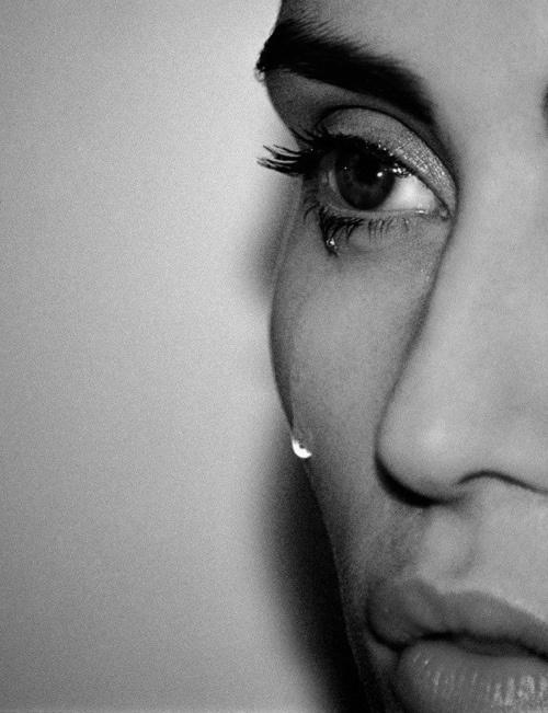 tear | sad | fragile | fragility | beauty | softness | black & white | tears | cry | www.republicofyou.com.au