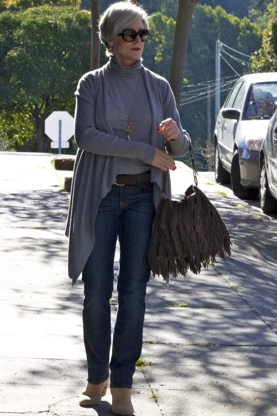 style at a certain age #overfiftyblogger Love this look....beautiful lady!