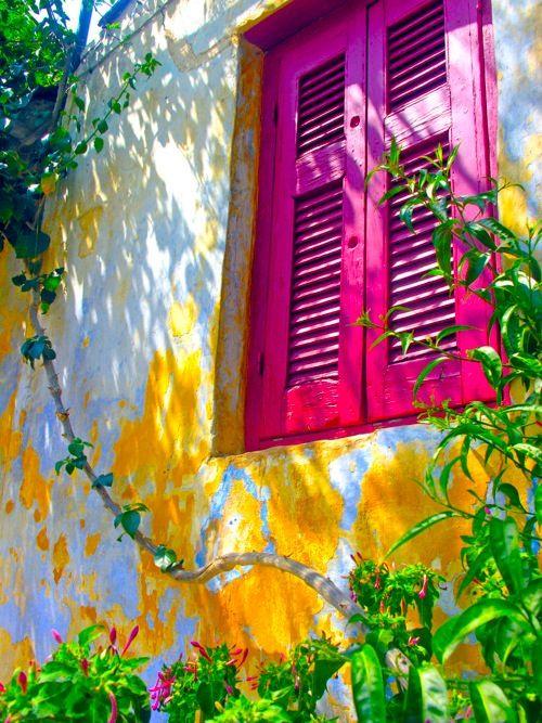Anafiotika village, Athens - (CC)Dennis Jarvis - #windows #window #finestre #rosa #fucsia