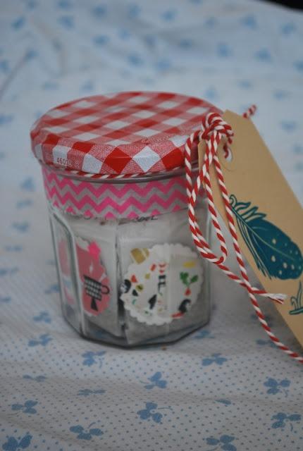 NelleKus: Theezakjes Leuk cadeau-ideetje!Theezakjes met op het label lieve woorden