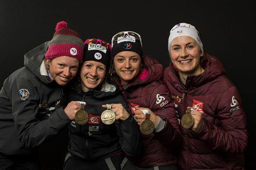 médaille de bronze par équipe : Marie Dorin - Habert ; Anaïs Chevalier ;Célia Aymonier et Justine Braisaz