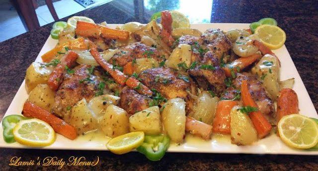 دجاج مع الخضار بالفرن بصلصة الثوم والليمون Middle East Recipes Favorite Recipes Chicken Savoury Food
