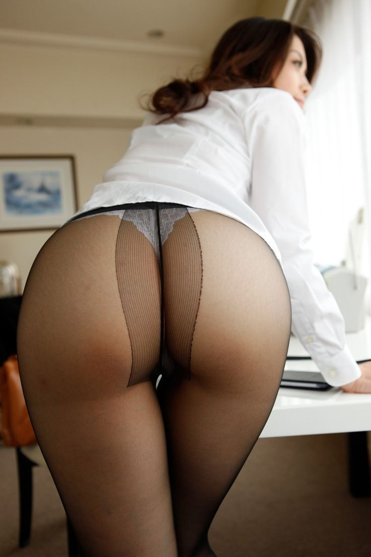 Delicieuse actrice hairy bbw in pantyhose knows
