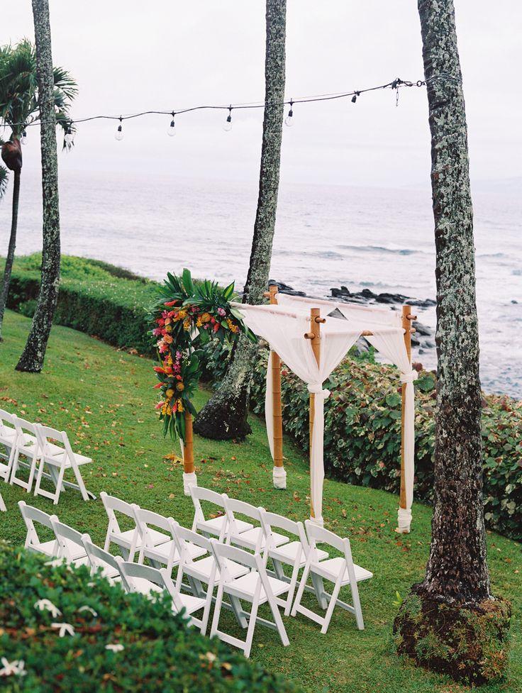 small beach wedding ceremony ideas%0A Seaside ceremony spot   Photography  Wendy Laurel
