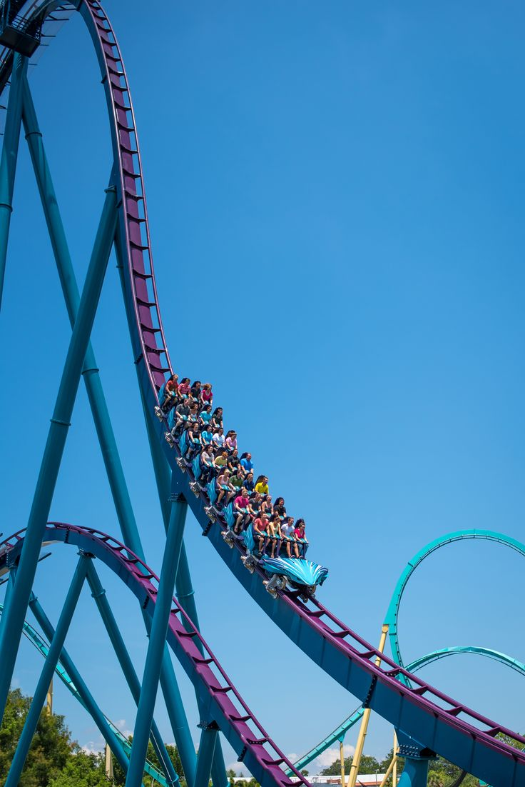 Feel as though you're thrashing through the sea as you chase your prey on brand new Mako, Orlando's fastest, tallest, longest AND only hypercoaster.