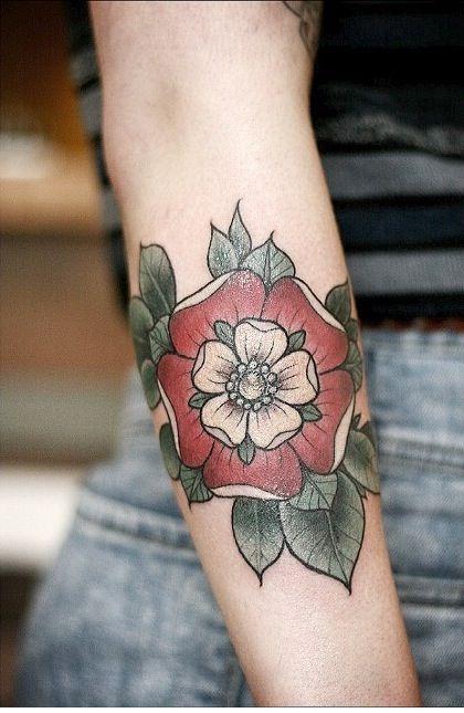 Due to my aficionado with the tudor era, this tudor rose tattoo appeals to me very much