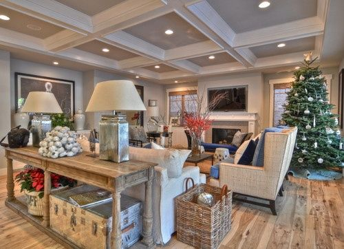 Craftsman design mix.love the ceiling.