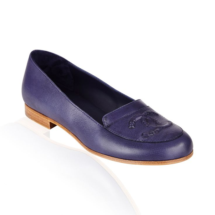 Dark Navy Loafer - Classic loafers always in style with attractive signature detailed logo at the vamp of each shoe.