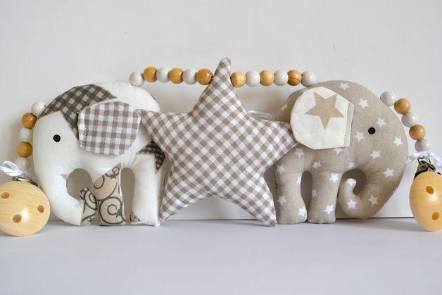 Wunderschöne Kinderwagenkette mit süßen Elefanten und einem Stern...passend für alle gängigen Kinderwagen (Teutonia usw.)....  Das Baby kann beim Spazierengehen die tollen Farben und...