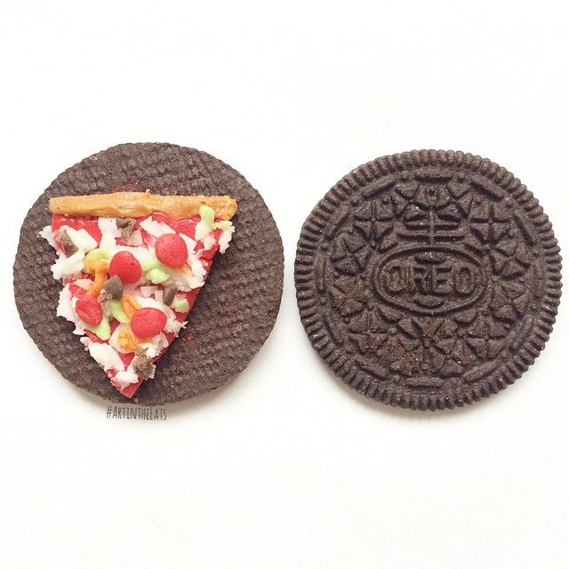 OREO EVERYTHING PIZZA with featured Limited Edition flavors: #CaramelApple #WinterOreo #PumpkinSpice #ReesesPeanutButterCup #ArtintheEats: