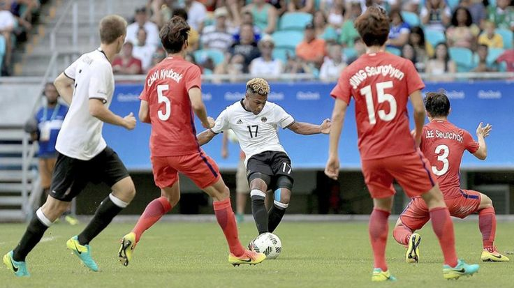 Fußball-Bubis droht Olympia-Aus | 5-Tore-Sieg gegen Fidschi – sonst futschi! - Olympia 2016 - Bild.de