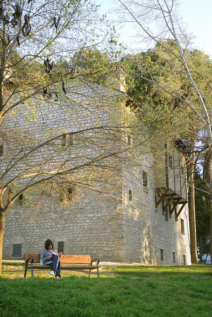Efe22 casa ansotana parque grande jos antonio labordeta zaragoza zaragoza en im genes - Casa grande zaragoza ...