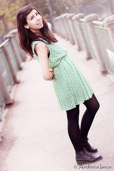 colar mint dress