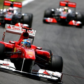 F1 Race #Alonso #ferrari leaders