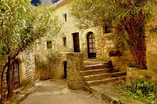 Village les plus romantiques en France - Aiguèze dans le Gard -