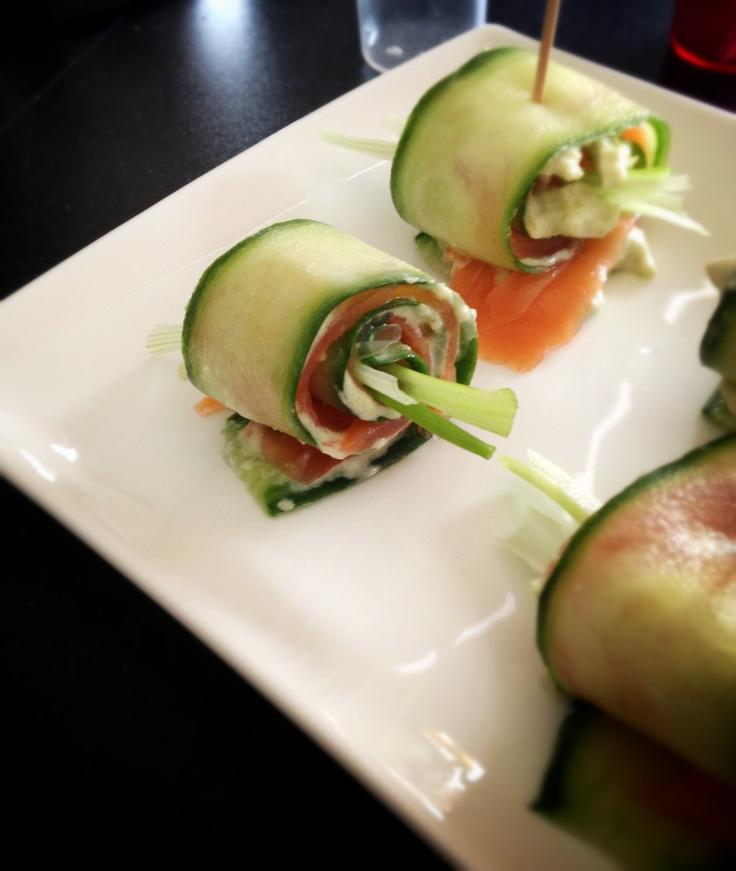 Zalm & Avocado - komkommerrolletjes uit het kookboek 'Bijzonder' van Albert Heijn :)