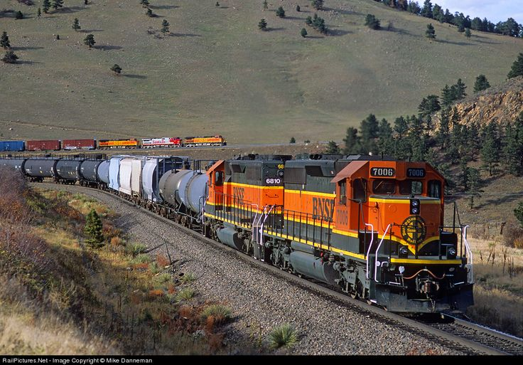 BNSF 7006 Burlington Northern Santa Fe EMD SD40-2 at Clay, Colorado (USA).