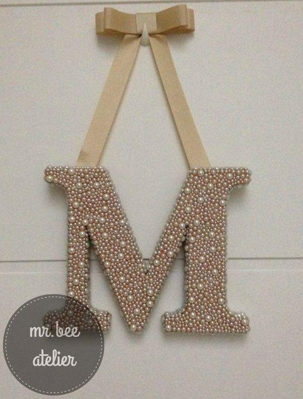 #monograma  #letra de porta de maternidade #letra com pérolas                                                                                                                                                                                 Mais