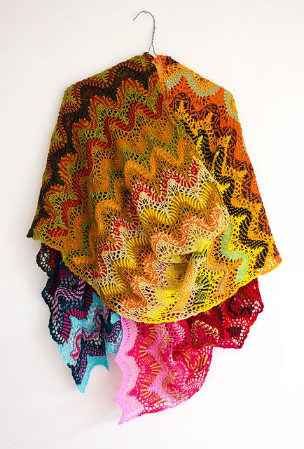 Chinese Knitting Patterns : 315 best images about ...shawl... on Pinterest