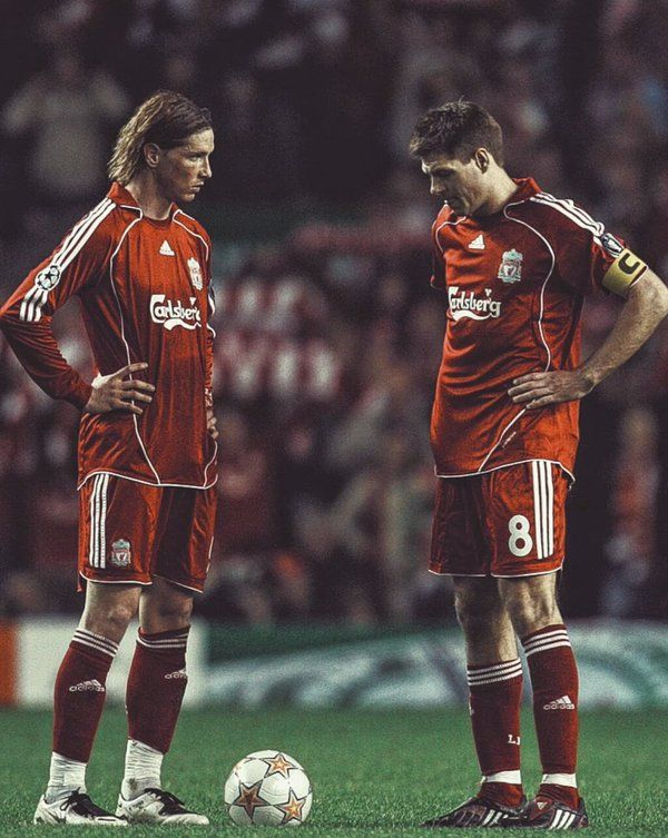 Fernando Torres 9, español.  Steven Gerrard 8, ingles - Liverpool