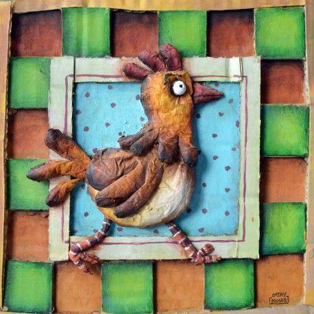 L'oeuvre unique et originale La poulette a été réalisée par l'artiste Cathy Mouis, qui peint des oeuvres en relief très originales et amusantes représentant la plupart du temps des animaux, en utilisant du coton, du carton, du papier mâché