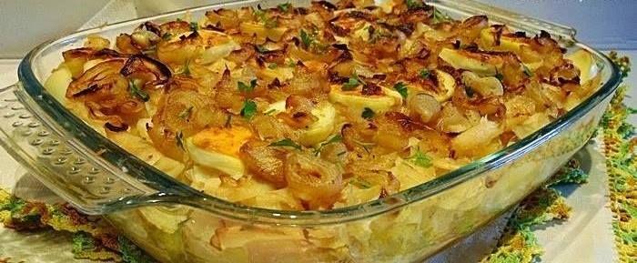 Bacalhau no forno com batatas e cebolada | Receitas Para Todos os Gostos