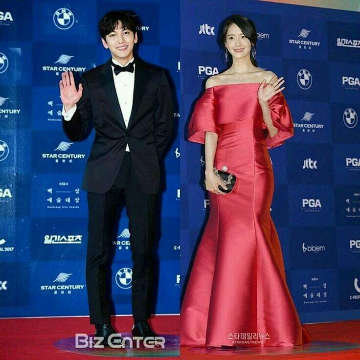 2017 Baeksang Awards Red Carpet JCW & Yoona Thank to owner image!