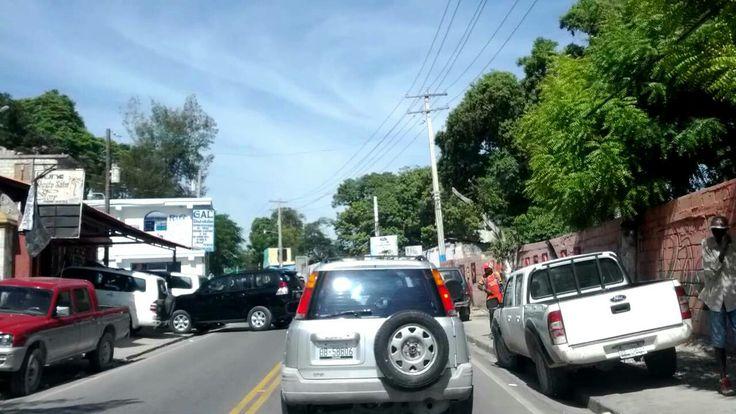 Canape Vert Port Au Prince