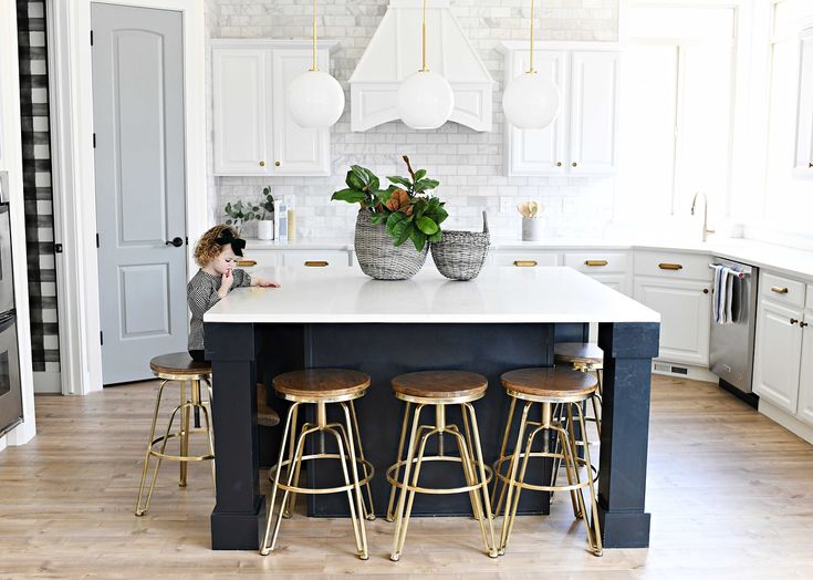 """81 Likes, 21 Comments - Amelia Smith (@brightsides_homeinteriors) on Instagram: """"I'll brunch with you here any day I'd say that this kitchen definitely reflects my client's…"""""""