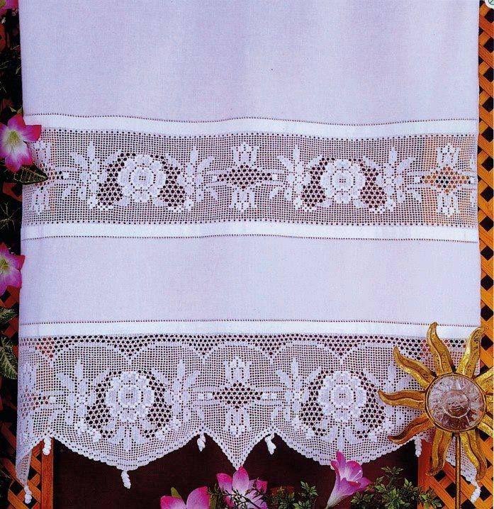 Cortina realizada combinando ganchillo y lino.