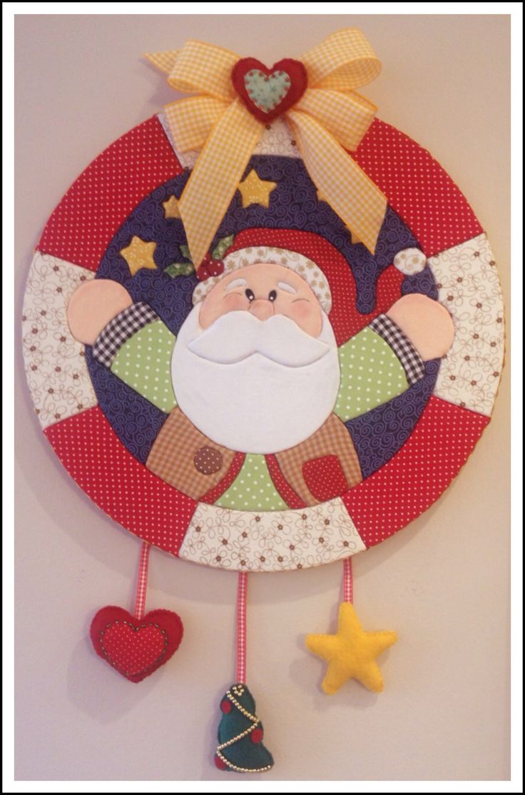 """Guirlanda de Natal - Patchwork Embutido 1"" (Christmas Wreath) - by Patricia Wong"