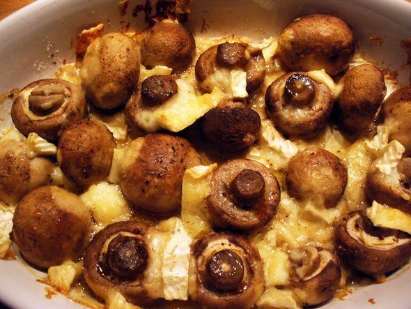 Een doosje champignons (500 gram) 75 gram brie olijfolie peper en zout  Hoe ga je te werk? Verwarm de oven voor op 180˚C. Vet een ovenschaal...