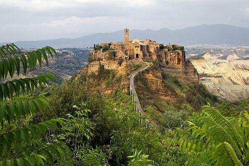Viterbo e la Tuscia Viterbese - Civita   #TuscanyAgriturismoGiratola