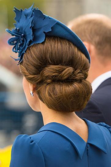 Detalle del recogido de Kate Middleton y del tocado de Lock