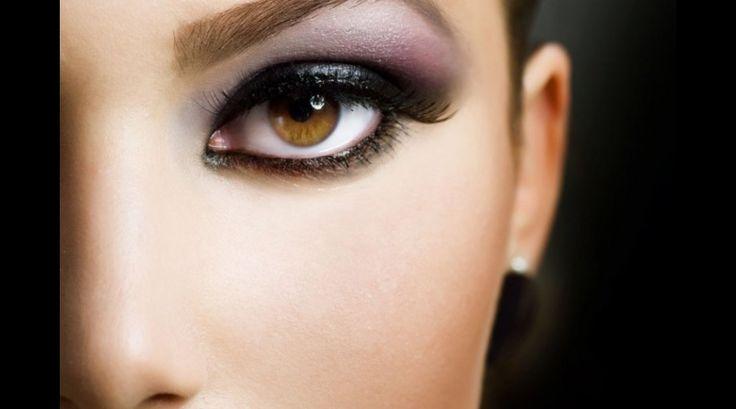 El #maquillajeprofesional es todo un arte, ¡explóralo! #aprendeconlosmejores #colegiaturadecosmetologia