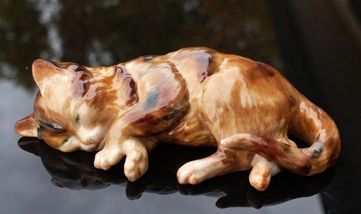 """Nymphenburg Porzellan Tierfigur """" Schlafendes Kätzchen """" !!!"""