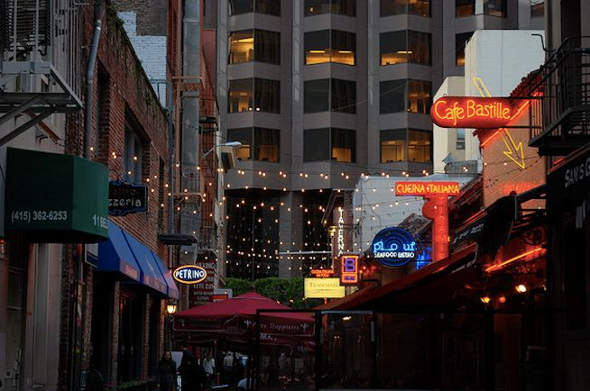 25 Bars and Restaurants Hidden Down San Francisco Alleyways