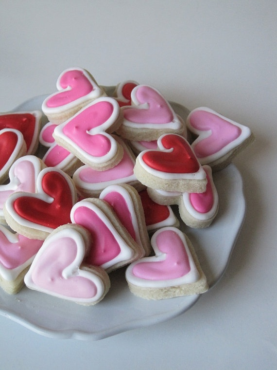 Valentine's Day *Food* - Itsy-Bitsy Decorated Sugar Cookies