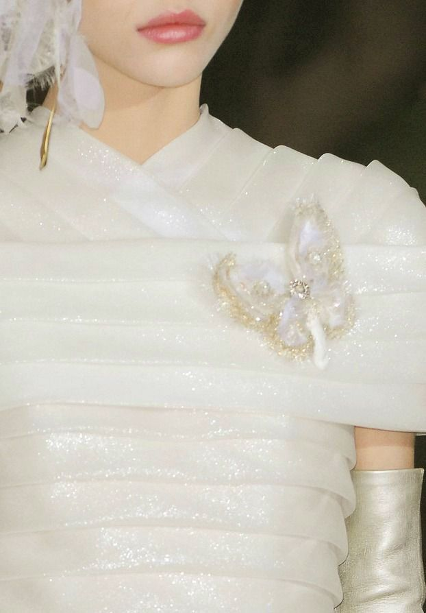 748 best ivories images on pinterest white people coats for Haute couture boutique